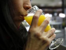 Microbial contamination found in orange juice squeezed in bars and restaurants
