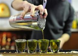 Need help avoiding hangover? Less booze, more H2O (AP)