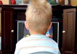 Pre-schoolers eat more sweets when watching TV with limited supervision