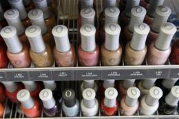 Calif. finds toxins in 'nontoxic' nail polishes (AP)