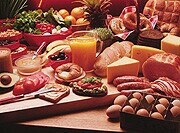 Most americans getting adequate amounts of vitamins, nutrients