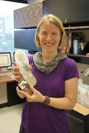 Proffesor invents smart insole to correct walking abnormalities