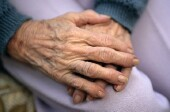 Alzheimer's, dementia care to cost U.S. $200 billion this year