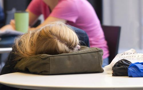 Better sleep for students dependent upon schedule change from school districts
