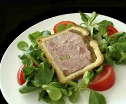 Chicken liver paté is a potential source of food poisoning