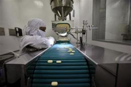 India licenses generic copy of patented Bayer drug (AP)