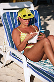 Many still tanning, despite dangers, survey finds