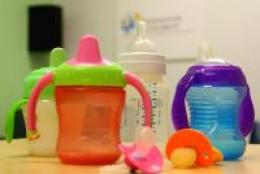 Study examines injuries with baby bottles, pacifiers and sippy cups in the US