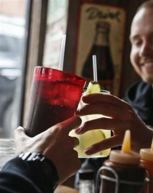 Judge strikes down NYC sugary-drinks size rule