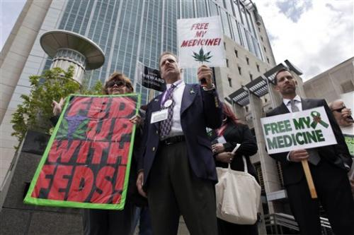 Marijuana's march toward mainstream confounds feds