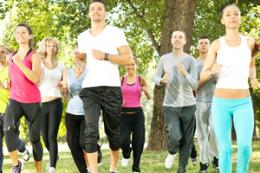 Exercising with others helps college students reduce stress