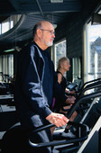 Fitness in middle age may help shield men from cancer later