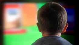 Industry self-regulation permits junk food ads in programming popular with children
