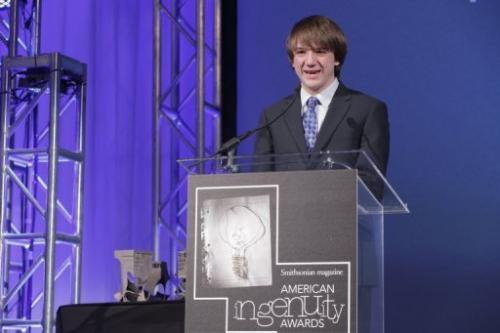 Jack Andraka receiving Smithsonian Magazine's American Ingenuity Award for youth achievement on November 28, 2012