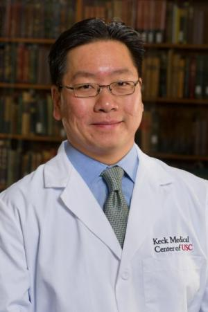 Keck Medicine physicians become first to implant epilepsy-controlling device