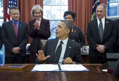 Obama lifts research ban on HIV organ transplants