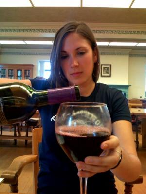 Over the limit: Size, shape and color of wine glass affect how much you pour