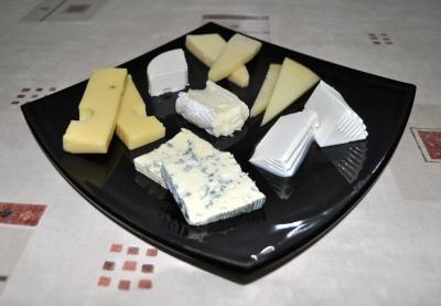 Some cheeses exceed contaminant levels recommended by EU