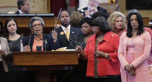 Texas House provisionally approves abortion law