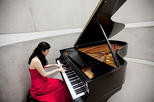 The look of music: Researcher tests role of visual information in assessing performance