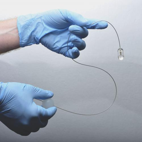 Pill-sized device provides rapid, detailed imaging of esophageal lining