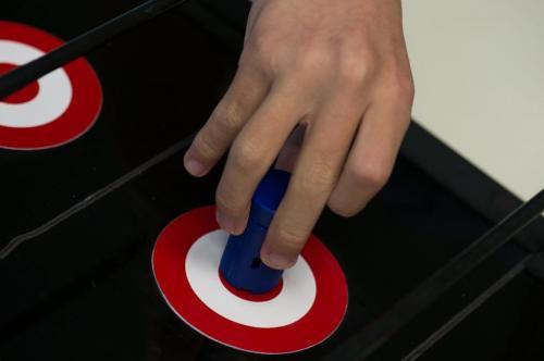 High-tech peg measures palsy patients' dexterity (w/ Video)