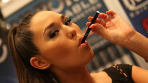 Researchers question e-cigarette regulation