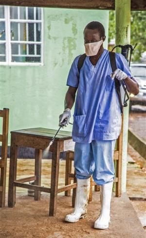 Spanish Ebola patient gets experimental drug