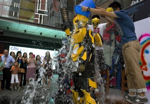 Ice bucket challenge may change nonprofit world