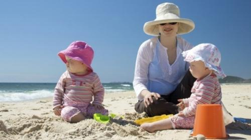 Parents don't protect themselves from skin cancer because they're prioritising their children's skin