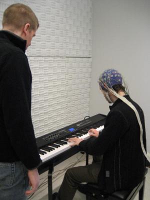 Play it again, Sam: How the brain recognizes familiar music